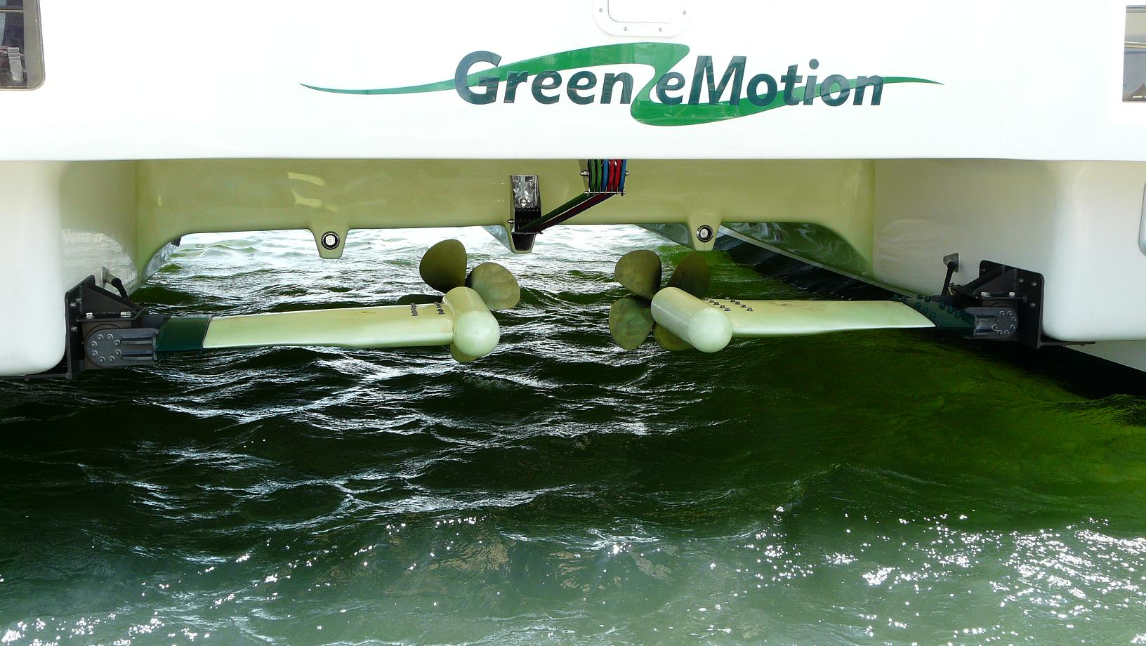 Two GREEN MOTION systems on FASTCAT 445 Green eMotion!